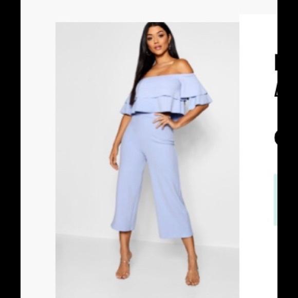 Boohoo Tops - Boohoo baby blue pants & crop set